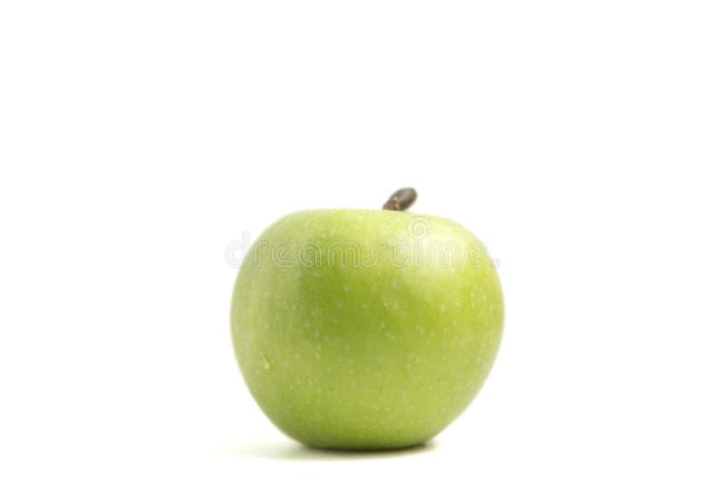 Gr?ner Apfel getrennt auf wei?em Hintergrund lizenzfreie stockfotografie