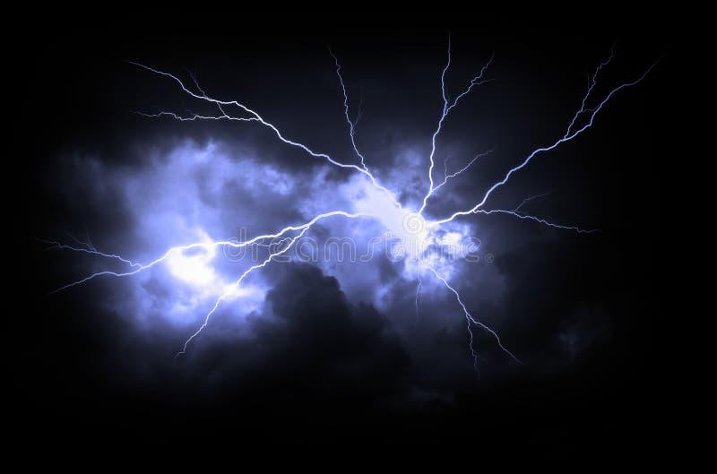 Gr?ve surprise sur le ciel nuageux fonc? image stock
