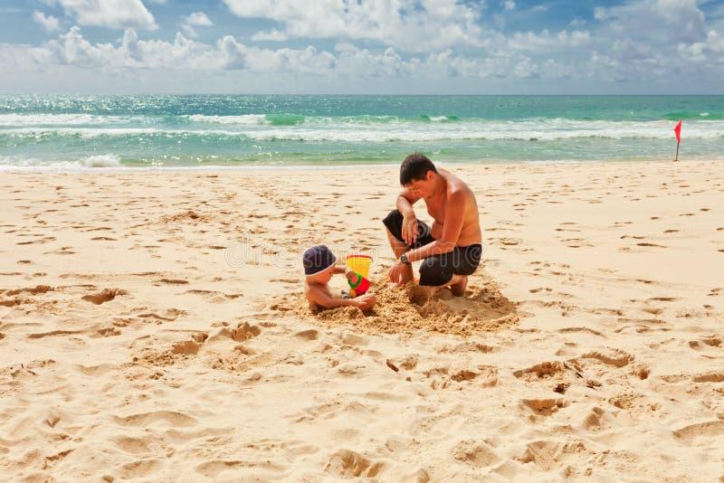 grać w piasku obraz royalty free