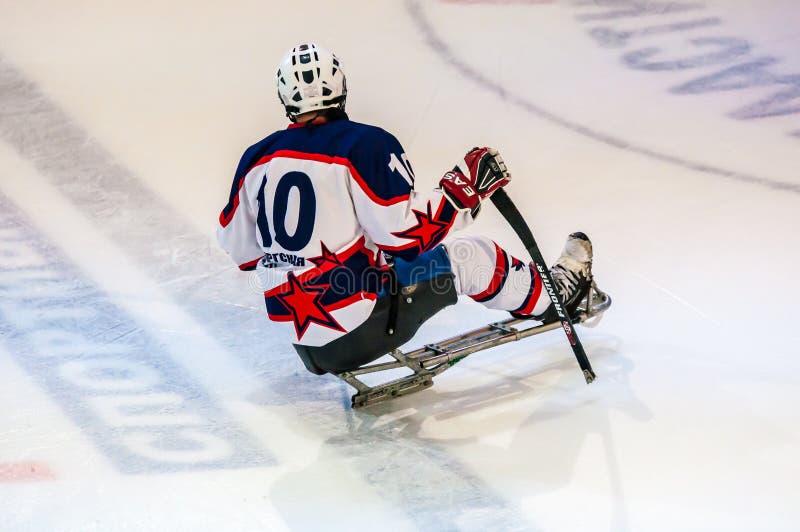 Gra w lodu saneczki hokeju obrazy stock