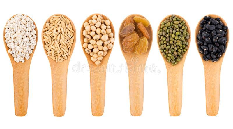 Graankorrels, zaden, bonen op witte achtergrond royalty-vrije stock foto's