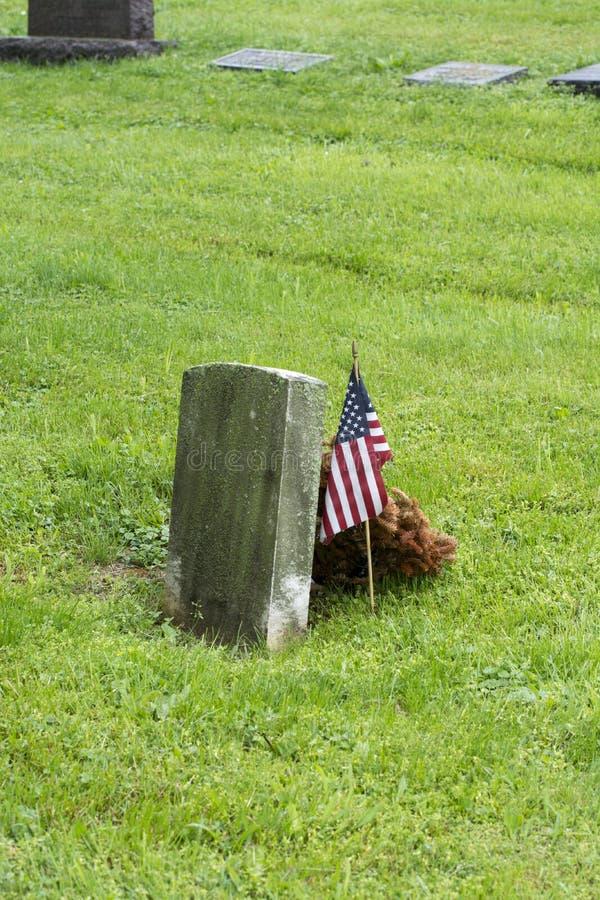 Grab mit Dekoration der amerikanischen Flagge lizenzfreies stockbild