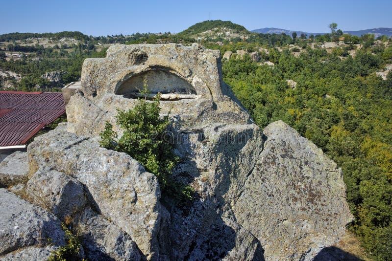 Grab von Orpheus in antikem Thracian-Schongebiet Tatul, Bulgarien lizenzfreie stockbilder