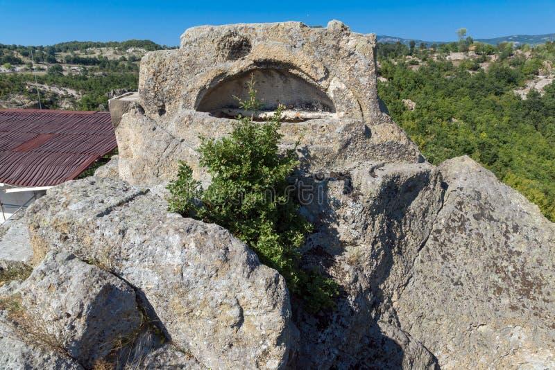 Grab von Orpheus in antikem Thracian-Schongebiet Tatul, Bulgarien lizenzfreies stockbild