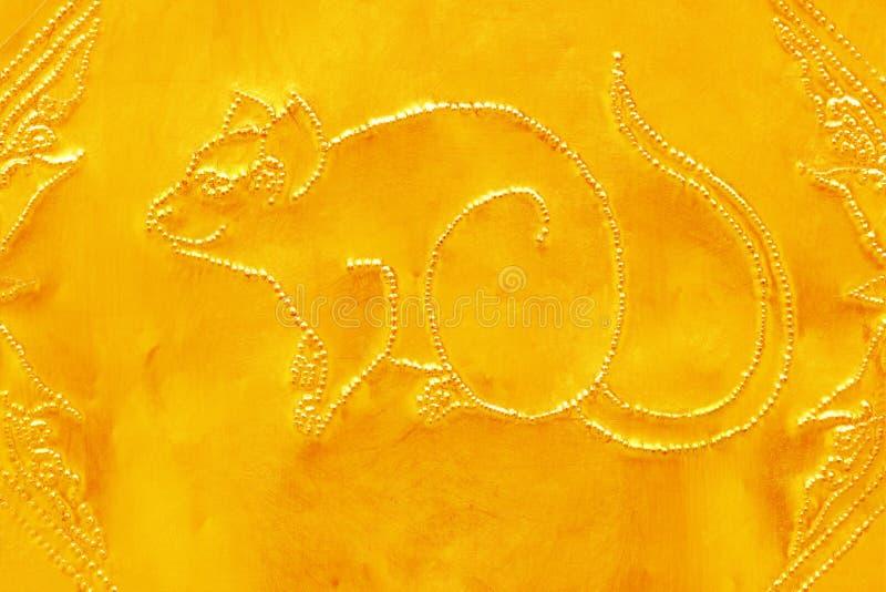 Grabado del valor de oro, símbolo del zodiaco de tradicional tailandés, foto de archivo libre de regalías