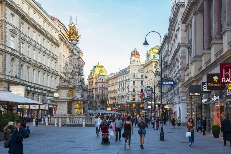 Graben ulica i dżumy kolumna w centrum Wiedeń, Austria fotografia stock