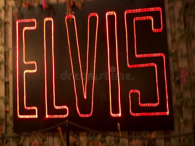 Graceland дом певицы Elvis Presley в стиле antebellum особняка и магнита для любителей музыки стоковые фотографии rf
