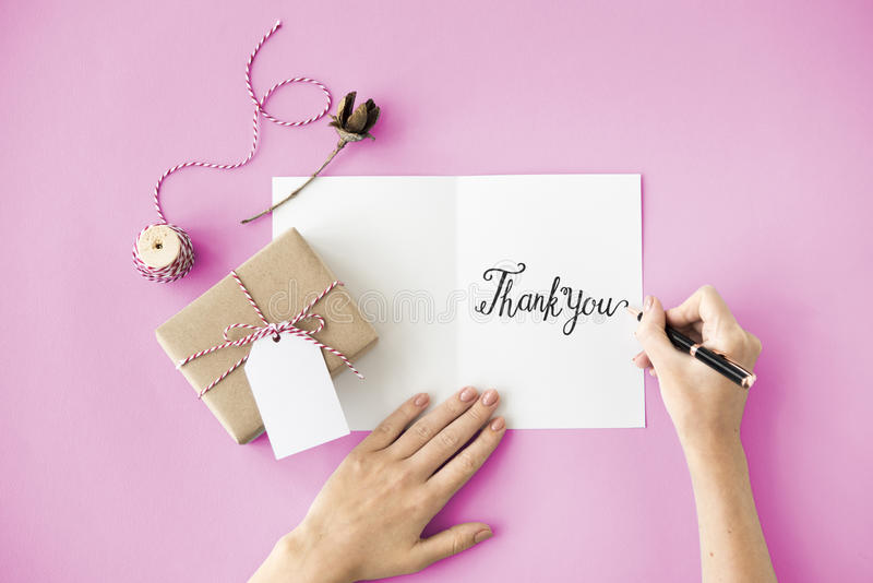 Gracias agradece el regalo aprecian concepto de la gratitud fotografía de archivo libre de regalías
