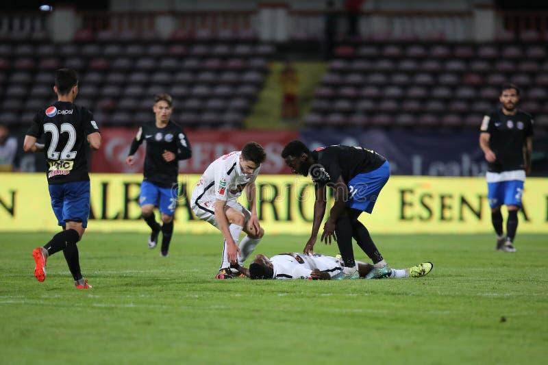 Gracz futbolu, Patrick Ekeng umiera po zawalenia się podczas Dinamo Bucharest gry obrazy stock