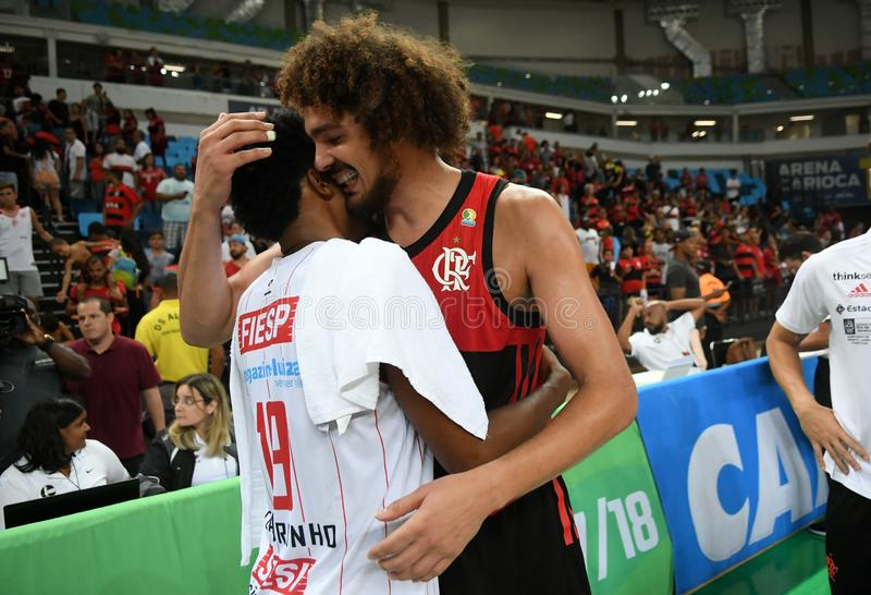 Gracz koszykówki Anderson Varejão e Leandrinho fotografia stock