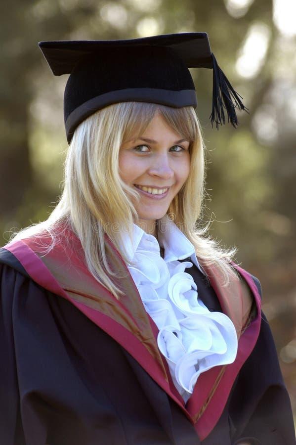 Gradúe en el casquillo y el vestido, Instituto de Tecnología de Wessex, Ashurs imagen de archivo