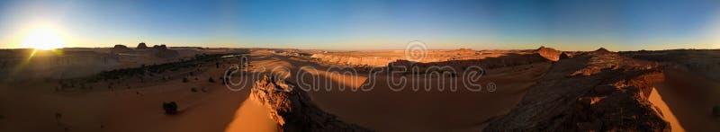 360 Grad Luftpanoramablick zu Daleyala und Boukkou Seegruppe Ounianga Serir Seen beim Ennedi, Tschad lizenzfreie stockbilder