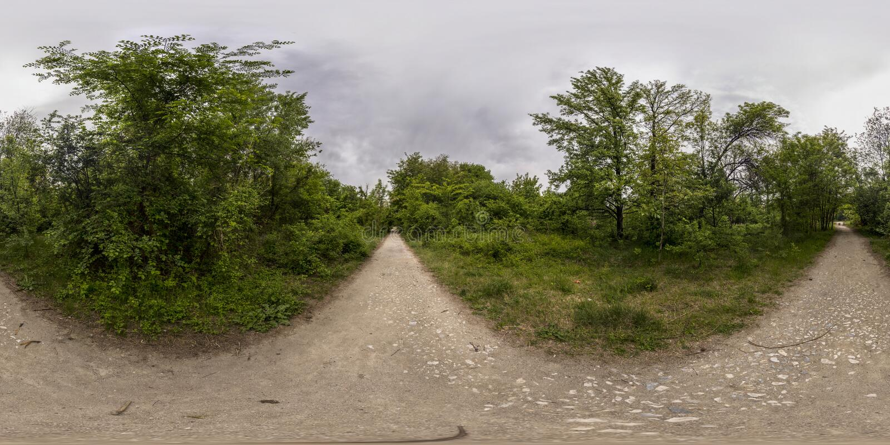 360 Grad Panorama der Erholung und Kultur parken in Plovd lizenzfreie stockbilder