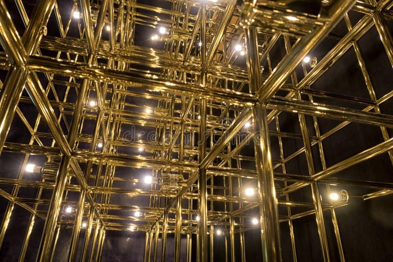 Grade do ouro em um fundo preto imagem de stock royalty free