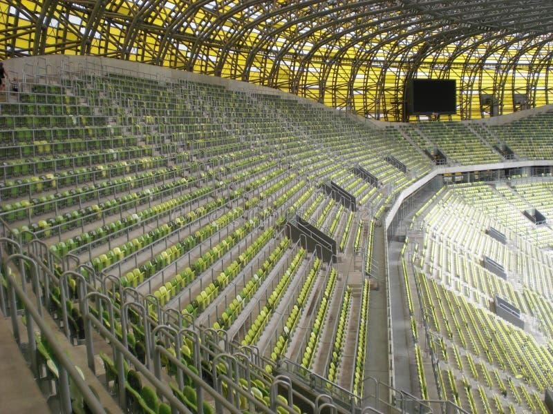 Gradería cubierta del estadio de Gdansk de la arena de PGE foto de archivo