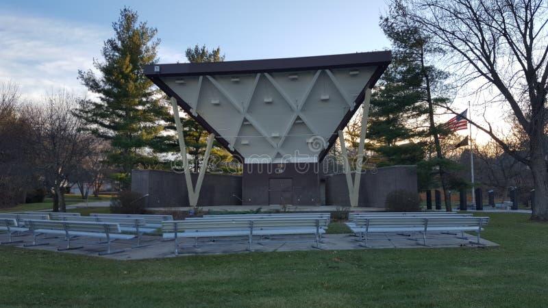 Gradería cubierta en parque foto de archivo libre de regalías
