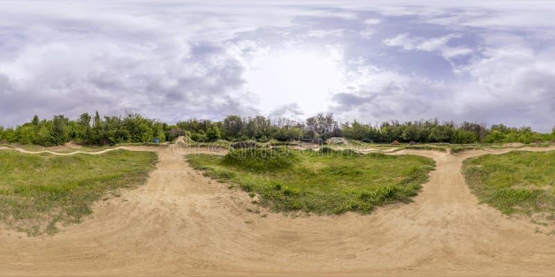 360 grader panorama av ett cykelspår i Plovdiv, Bulgarien royaltyfria bilder