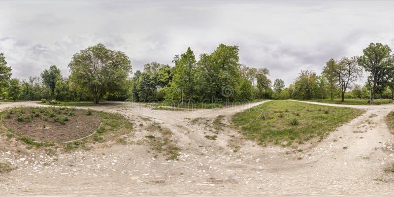 360 grader panorama av rekreationen och kultur parkerar i Plovd fotografering för bildbyråer