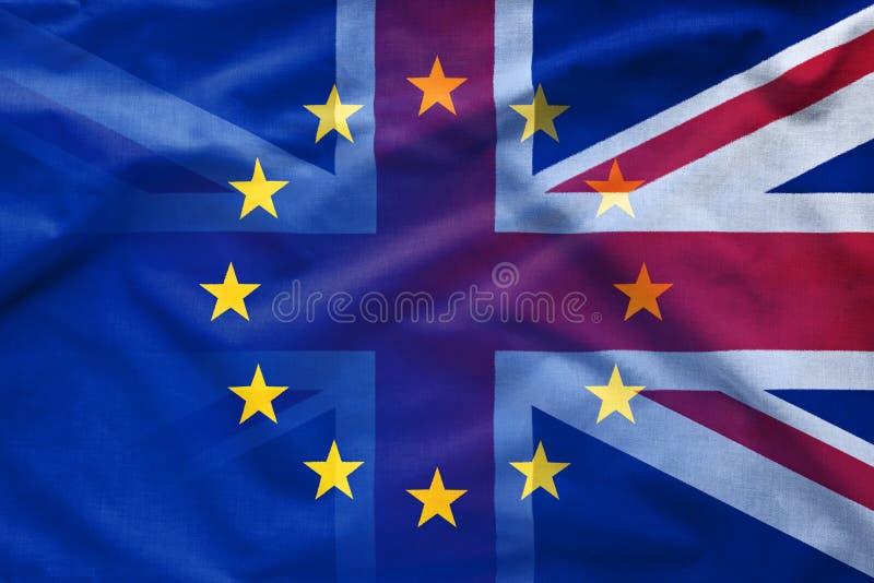 Gradiënt tussen de Britse vlaggen van de EU en stock foto's
