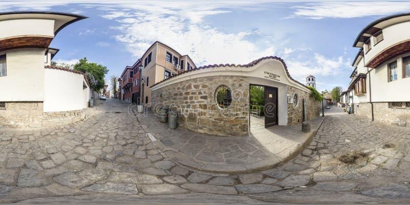 360 grados de panorama del museo etnográfico en Plovdiv, Bulg imagenes de archivo