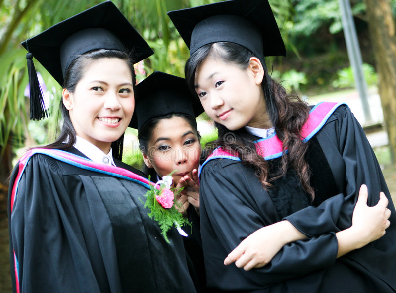 Graduados da universidade fotos de stock royalty free