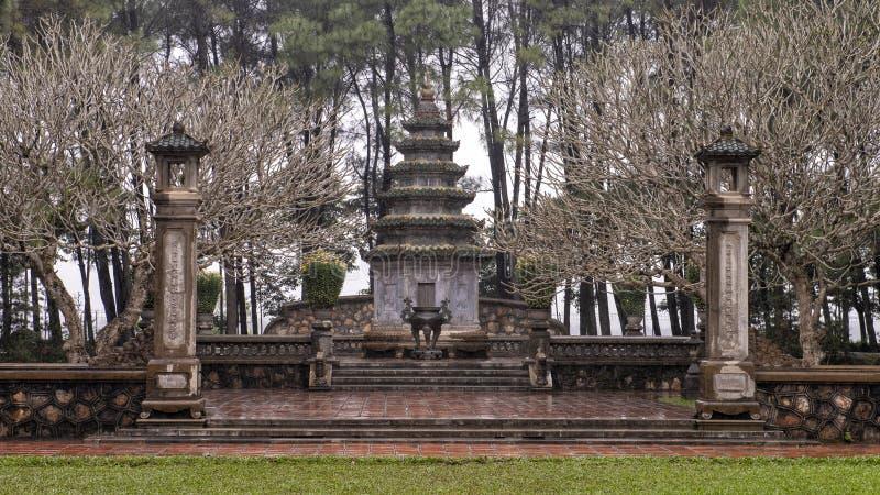 """Graf van de abt Hà ² een ThÆ°á"""" £ng ThÃch à  Ã'n Háºu in de Pagode van Thien Mu, Tint, Vietnam royalty-vrije stock afbeelding"""