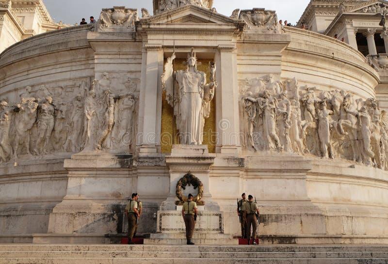 Graf van de Onbekende Militair, Nationaal Monument Vittorio Emanuele II, Piazza Venezia, Rome stock fotografie