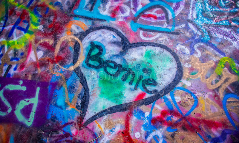 Graffiti in Austin Hearts dei vi amiamo Bernie immagine stock