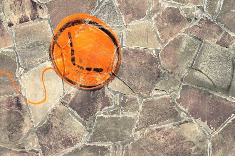 Graffiti balon jest na kamiennej ścianie zdjęcie royalty free