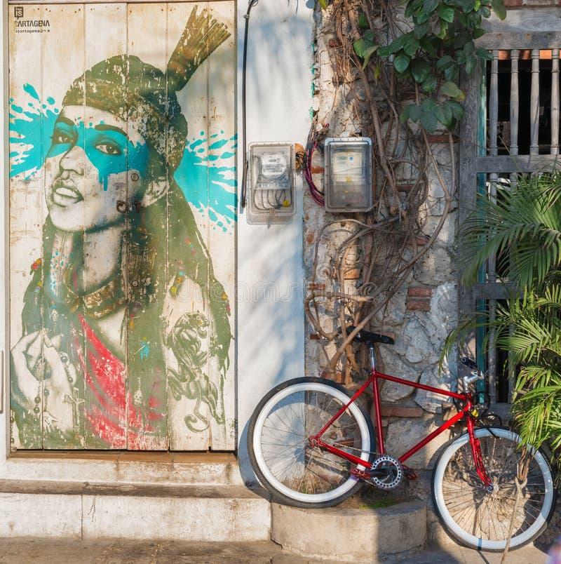Graffiti d'art de rue sur un mur dans la rue de Carthagène, Colomb photographie stock