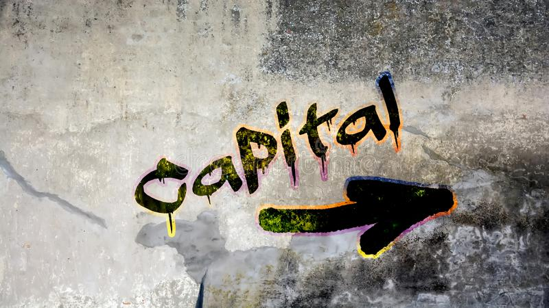 Graffiti de mur au capital photo stock