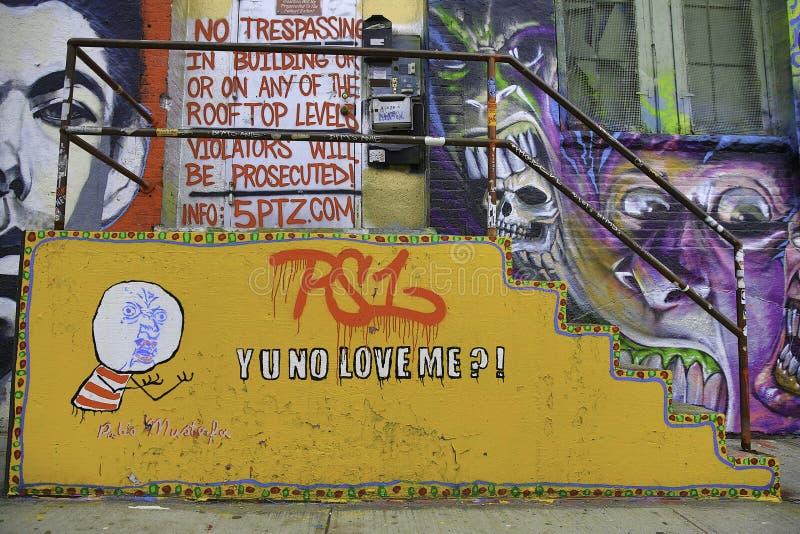 Graffiti in de Stad van New York - Yu Geen Liefde me? stock foto's