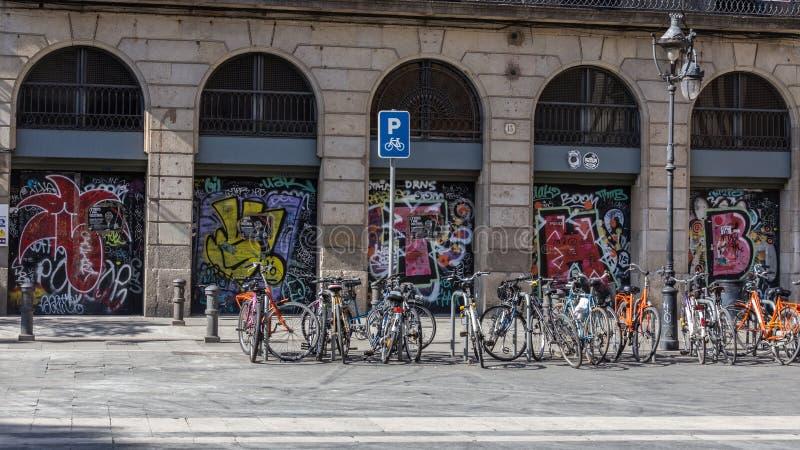 Graffiti in der Stadt von Barcelona stockfotos