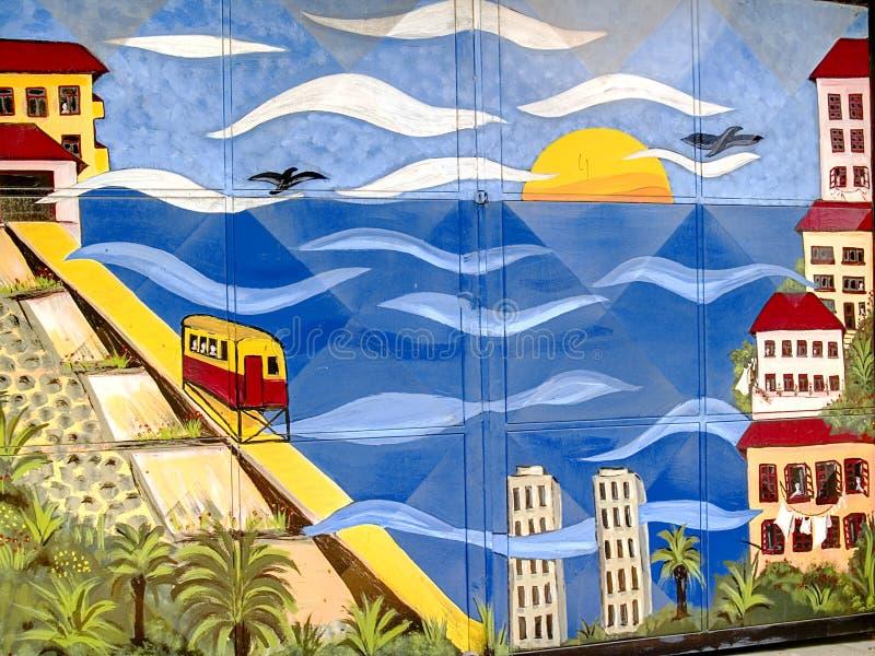 Graffiti di paesaggio urbano su un portello immagini stock libere da diritti