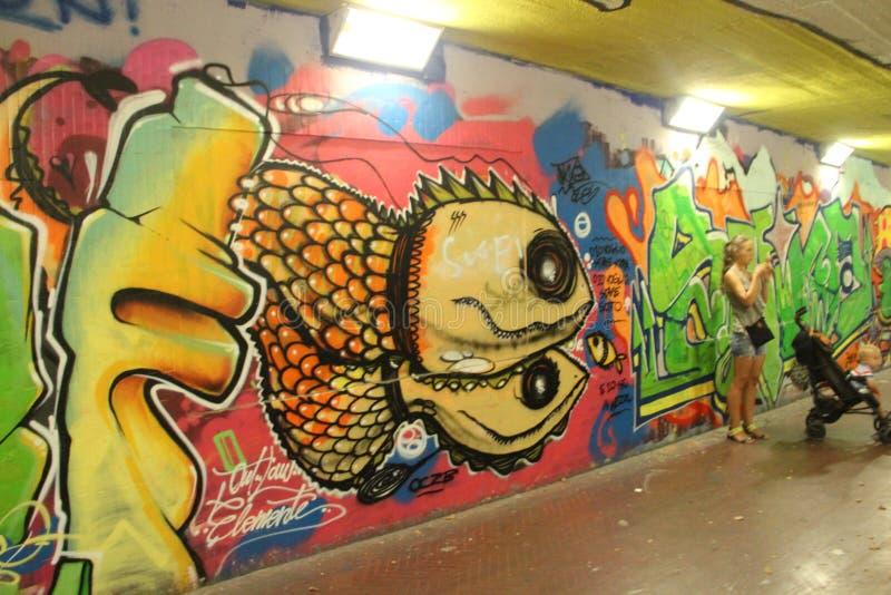 Graffiti in einer Unterführung in Florenz stockfoto