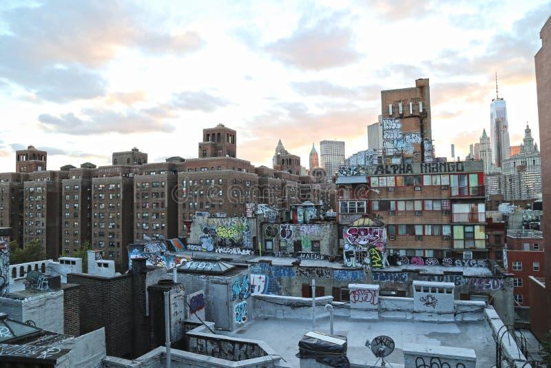 Graffiti na budynkach mieszkaniowych w Nowy Jork obraz stock