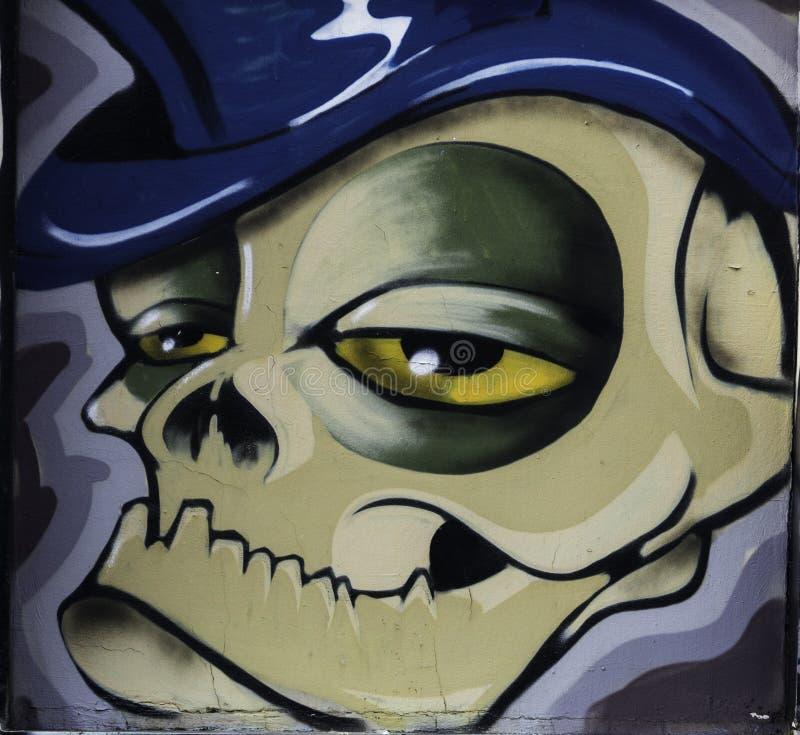 Graffiti op de muur, Park` Miticeva rupa ` dichtbij vierkante Slavija, stock foto