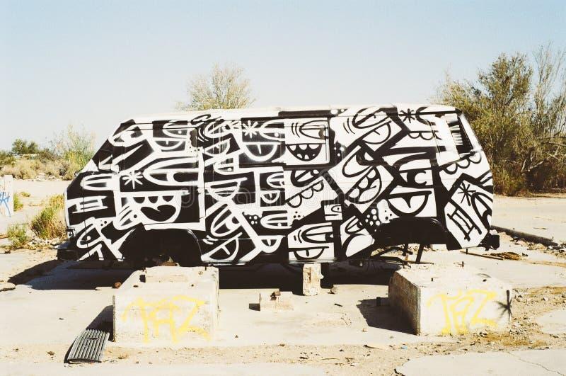 Graffiti in oude bestelwagen royalty-vrije stock afbeelding