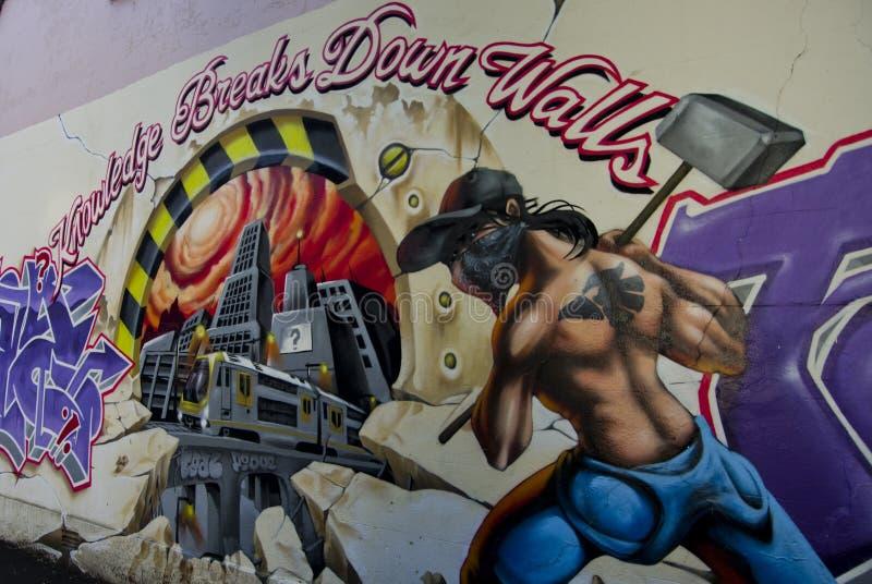 Graffiti in strees van Surry-Heuvels het vertellen stock foto's