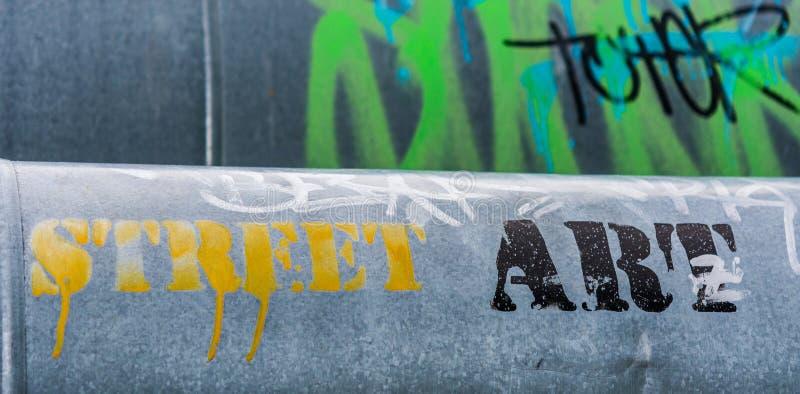 Graffiti sur la tuyauterie de vapeur photo stock
