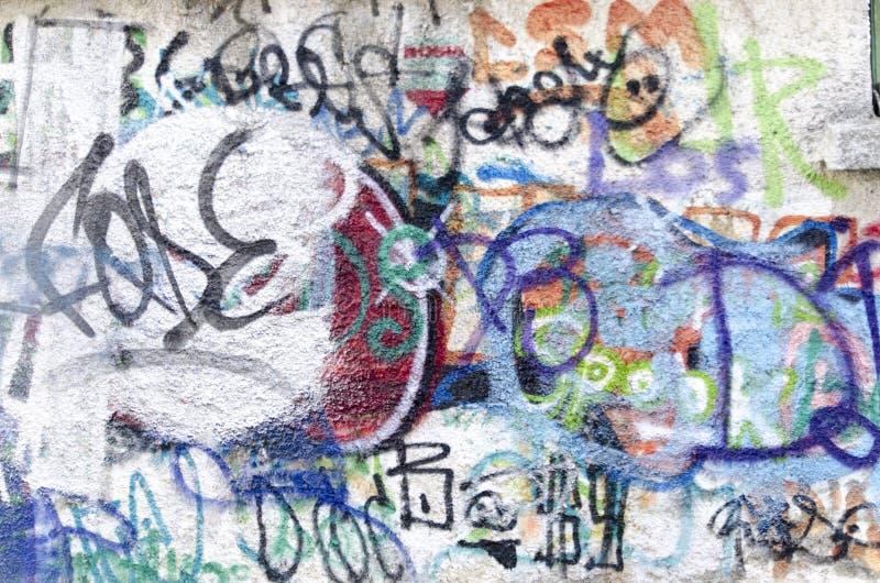 Graffiti sur un mur images libres de droits