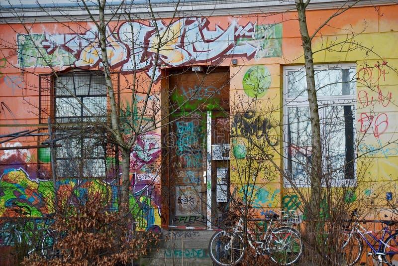 Graffiti-Tür lizenzfreie stockbilder