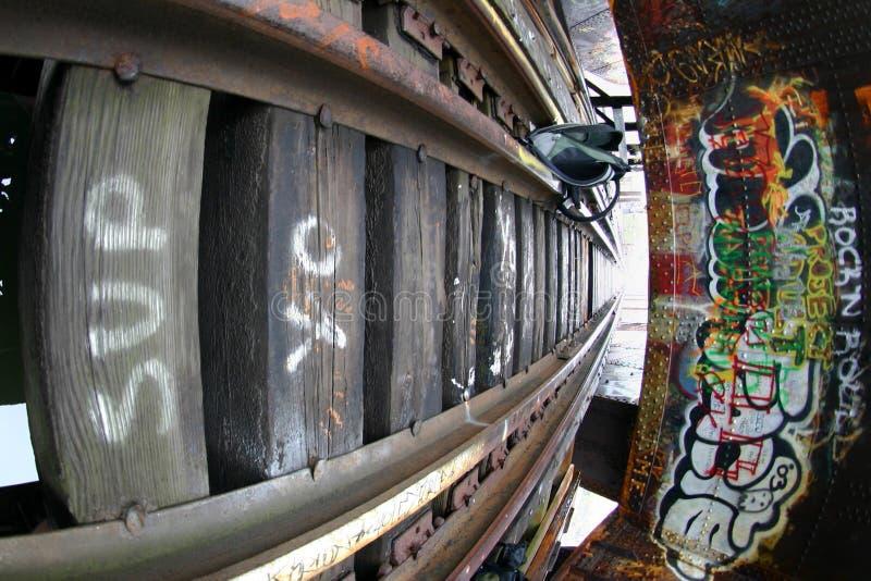 Graffiti und Metall lizenzfreies stockbild