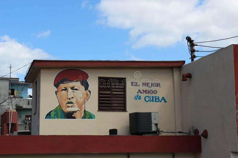 Graffiti van mejoramigo DE Cuba ` van Hugo Chavez ` Gr op de muur van een huis in Havana, Cuba royalty-vrije stock foto's