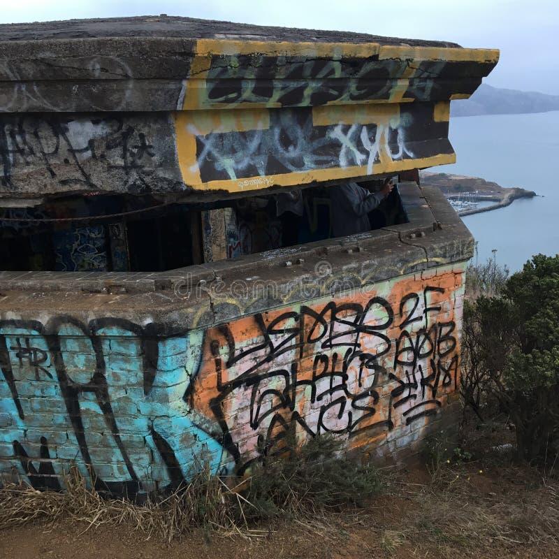 Graffiti zakrywający pigułki pudełko fotografia royalty free