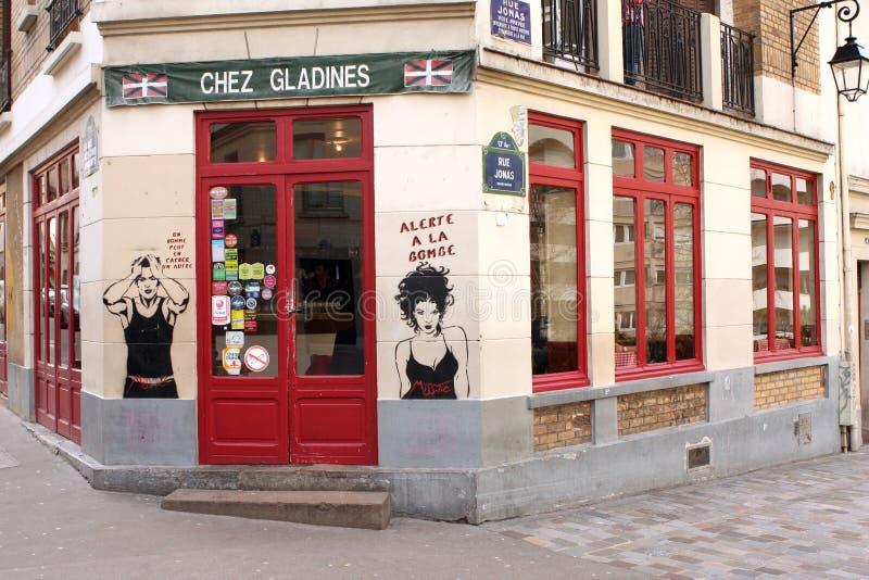 Graffitis sur une barre à Paris photographie stock
