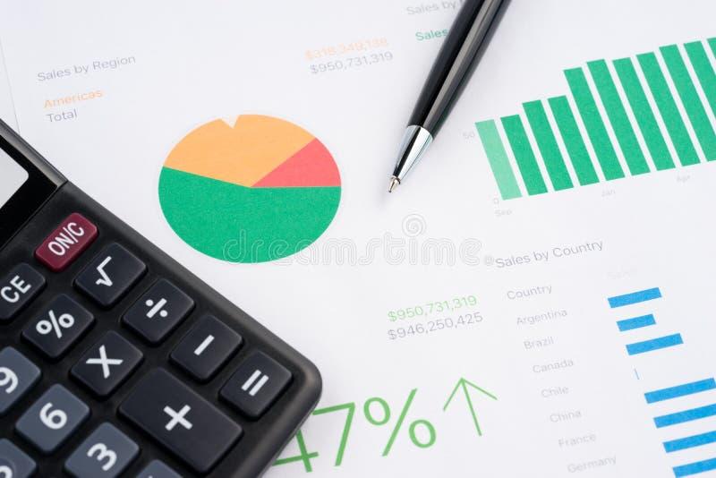Grafici di carta finanziari immagini stock
