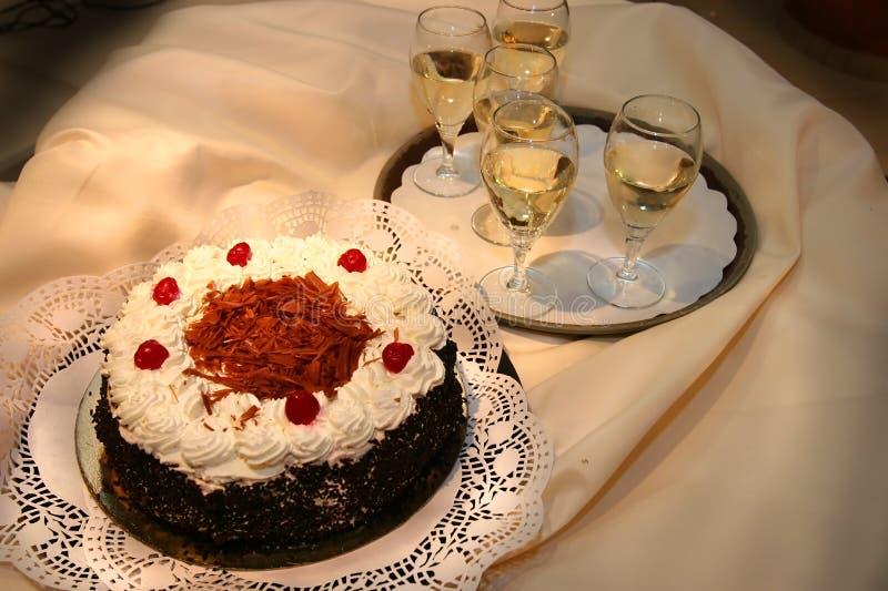 Grafico a torta e vino dolci. fotografie stock libere da diritti