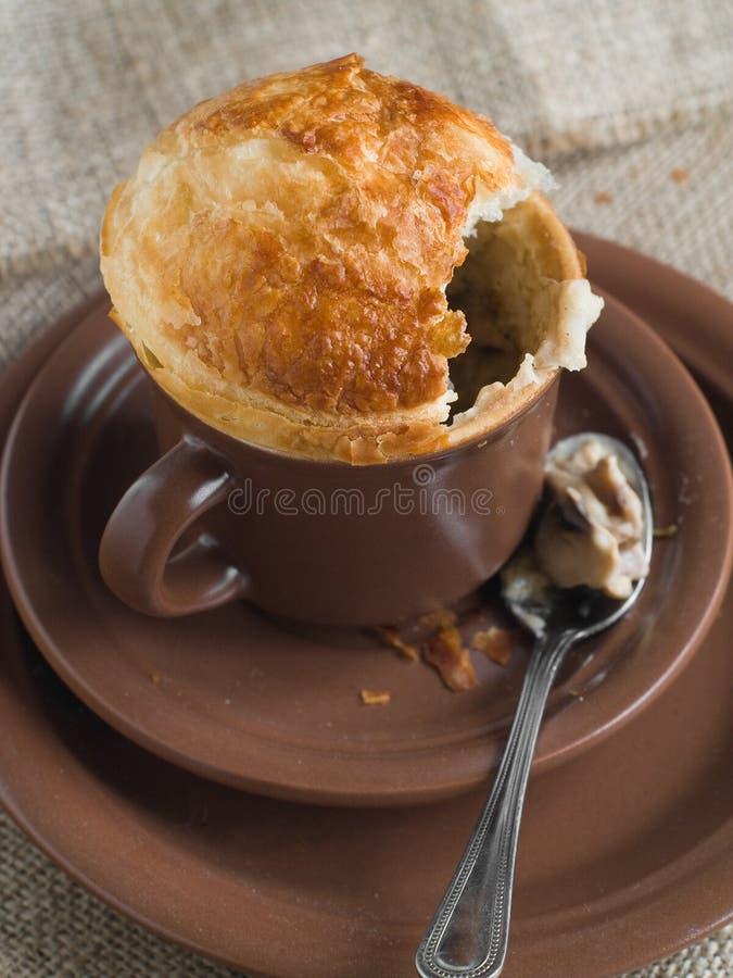 Grafico a torta in tazza fotografia stock