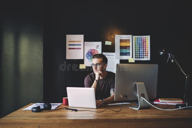 Grafika projektanta redaktora miejsca pracy pojęcie fotografia stock
